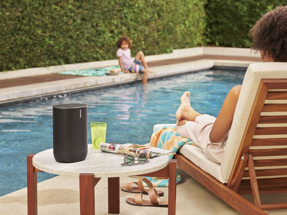 sonos-move-swimming-pool